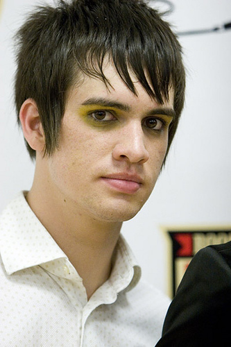 bridal hairstyles with headband : brendon urie taper haircut brendon urie brush up messy hairstyle