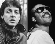 ebony-and-ivory-paul-mccartney-e-stevie-wonder-3