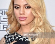 LOS ANGELES, CA - NOVEMBER 22: Recording artist Dinah-Jane Hansen of Fifth Harmony attends the 2015 American Music Awards at Microsoft Theater on November 22, 2015 in Los Angeles, California. (Photo by John Shearer/Getty Images)
