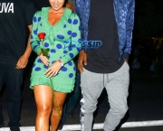 *EXCLUSIVE* Hollywood, CA - *EXCLUSIVE* Hollywood, CA - Model and now TV host, Amber Rose is spotted with rumored boyfriend Terrence Ross after sources claimed the two were separated. The pair looks like they are going strong as they are seen filming Rose's new TV show set to premiere soon. AKM-GSI 9 JUNE 2016 To License These Photos, Please Contact : Maria Buda (917) 242-1505 mbuda@akmgsi.com or Mark Satter (317) 691-9592 msatter@akmgsi.com sales@akmgsi.com