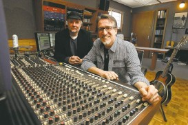 KEN GIGLIOTTI / WINNIPEG FREE PRESS Steve Bell (right), with his longtime manager, Dave Zeglinski, will be honoured by the WSO for his contributions to the musical life of Winnipeg.